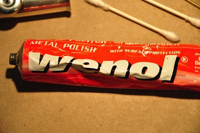 Wenol metal polish for flute rods.